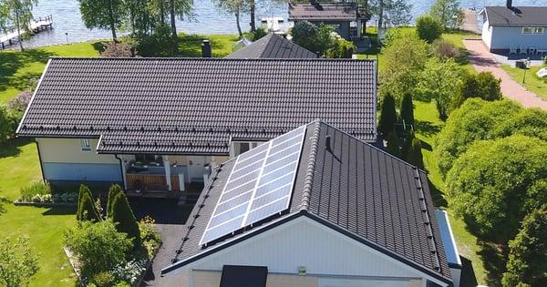 LUMME_aurinkopaneelit