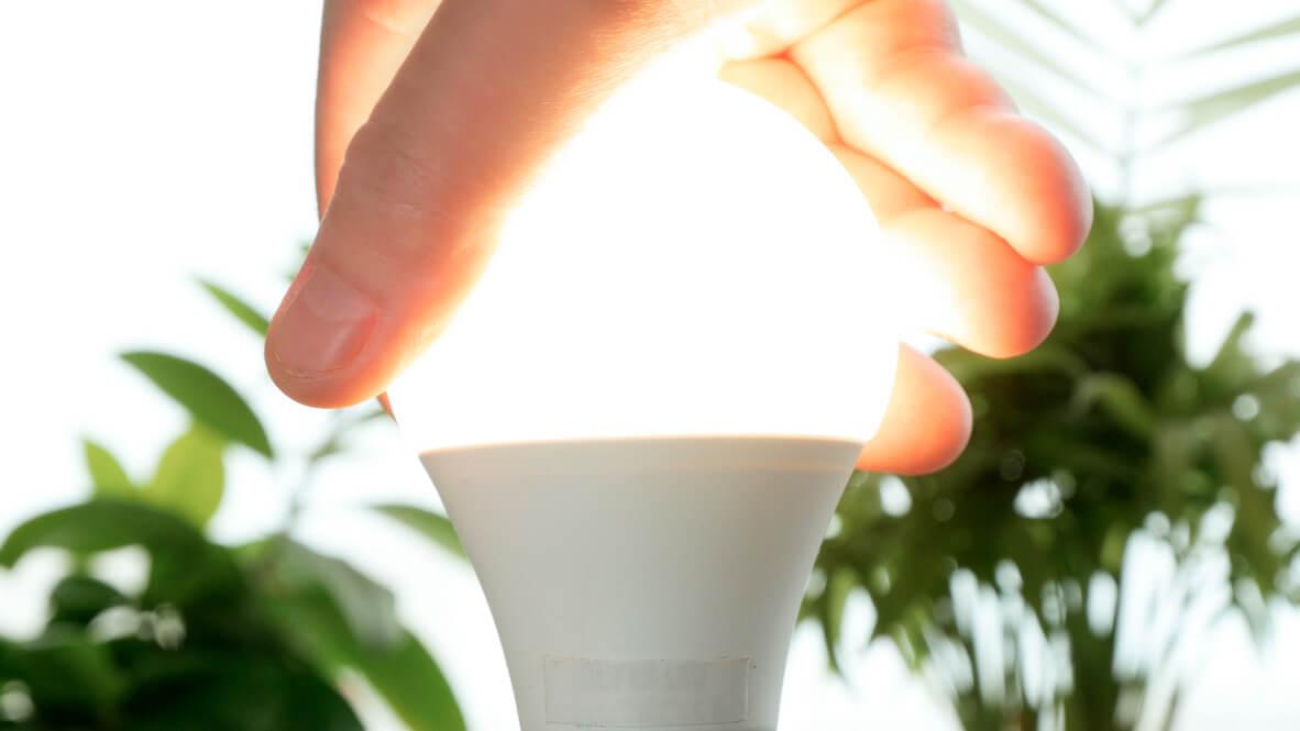 muuttaja-kasi-ledlamppu