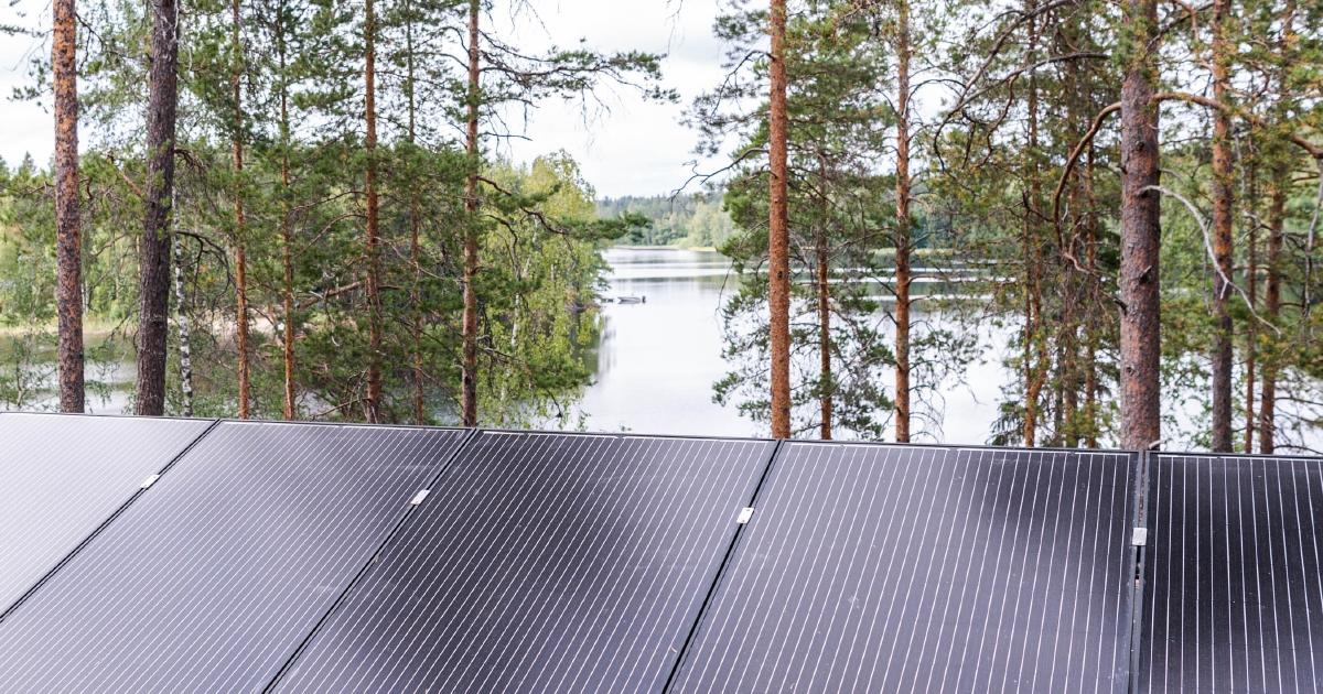 Aurinkopaneelit_mokilla_Kuustonen (4)