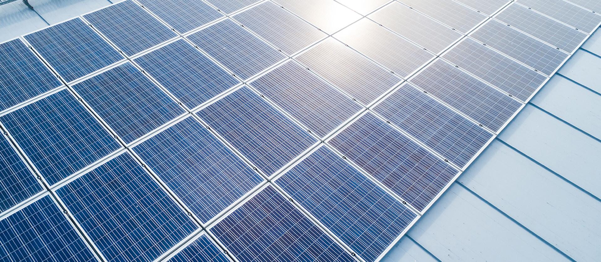 yrmy-aurinkopaneelit-yrityksille-hero-1920px